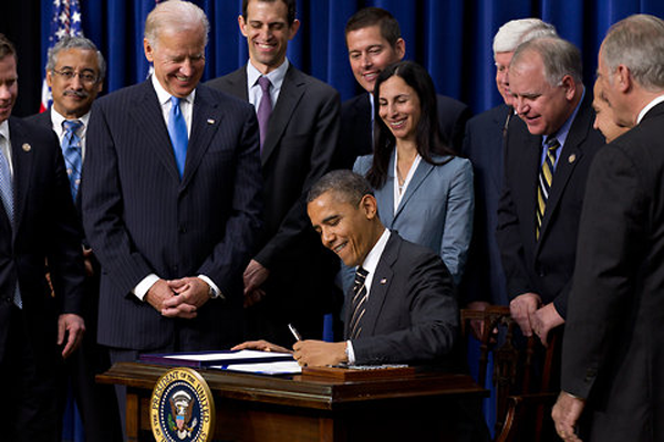 Obama Signs Executive Order Banning The Pledge Of Allegiance In Schools Nationwide
