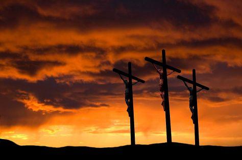 crucifixion-3-crosses-58b5ceeb5f9b586046d09034